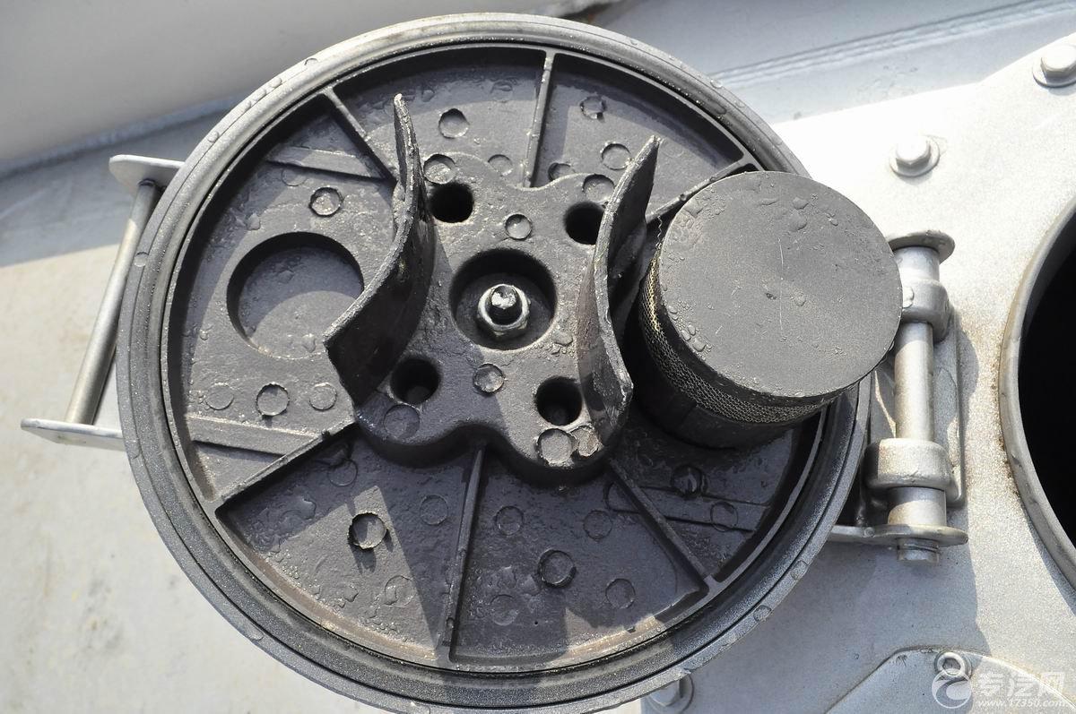 解放新悍威前四后六22.7方加油车呼吸阀
