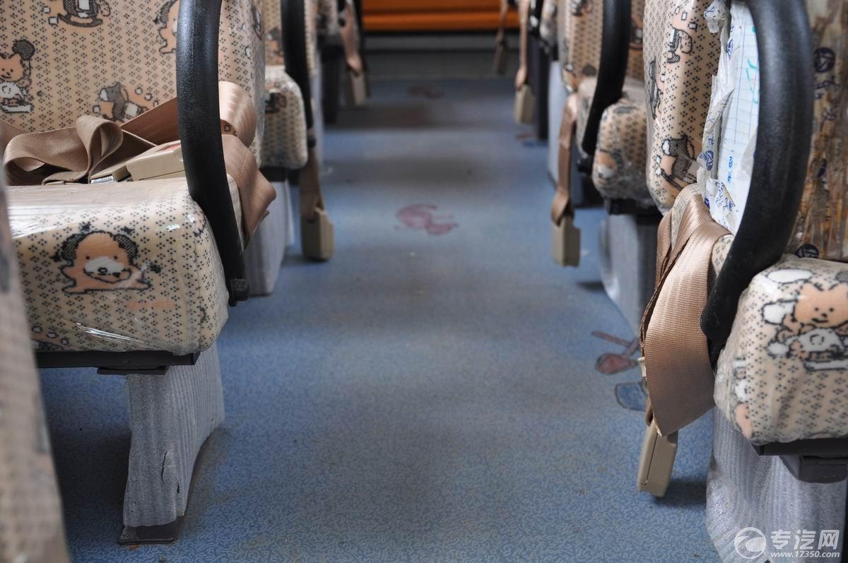 少林19座幼儿园校车防滑地板