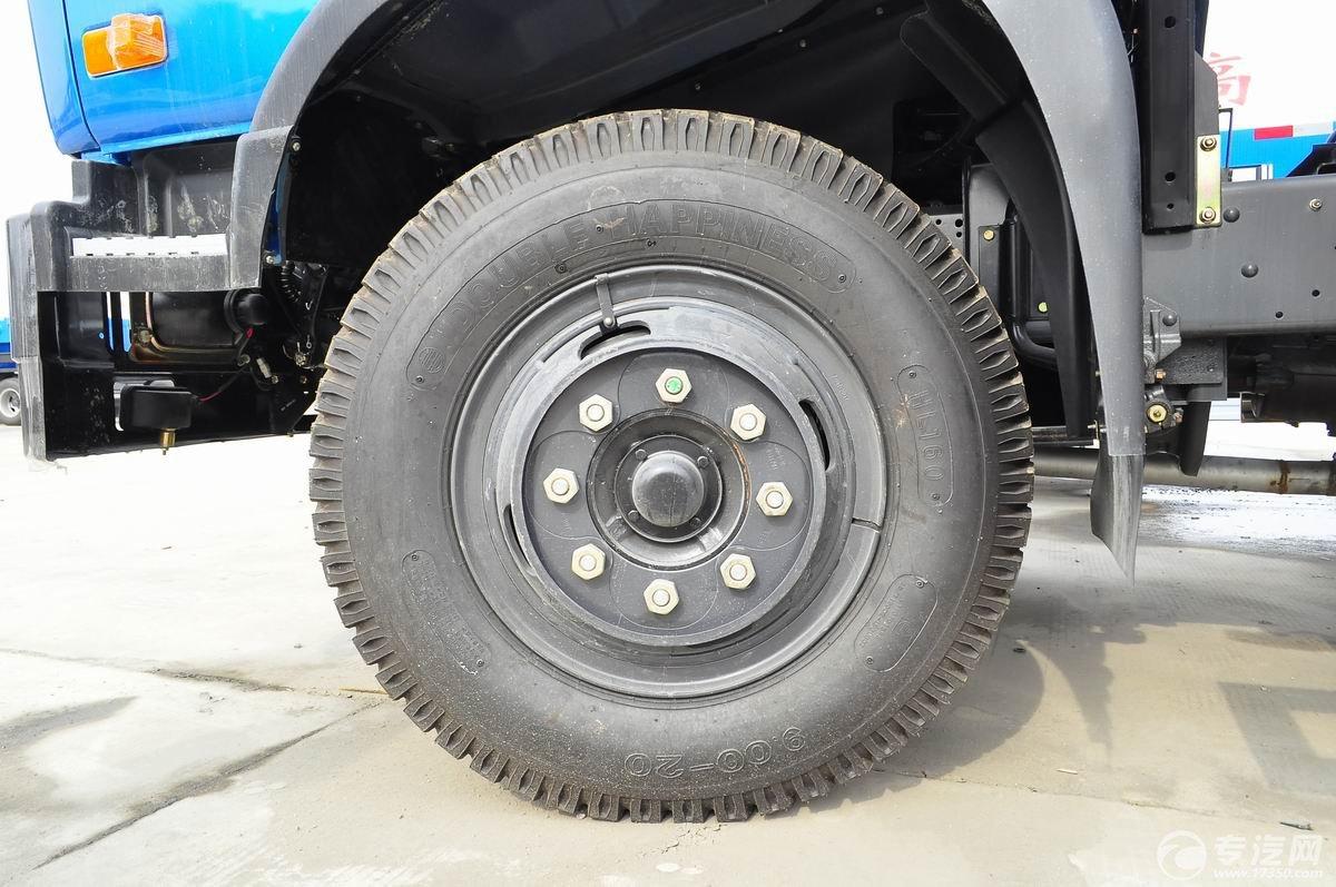 东风153单桥9方吸污车轮胎