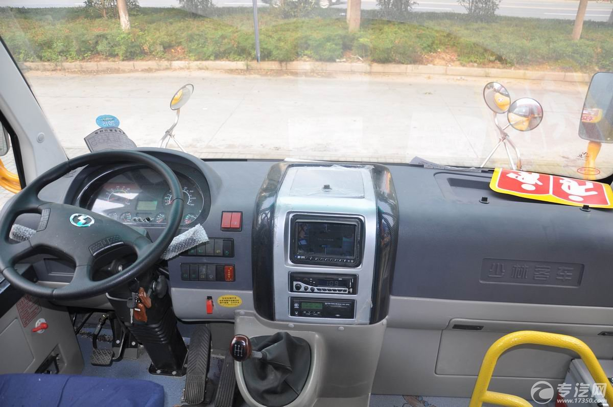 少林36座幼儿园校车车辆操作台