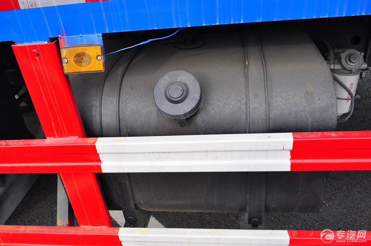 东风多利卡D9压缩式垃圾车油箱