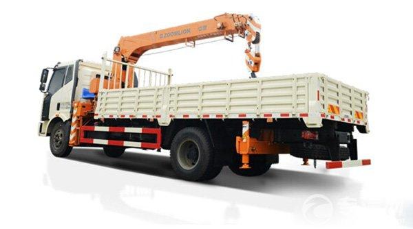 中联重科16吨随车起重机研制成功并通过测试