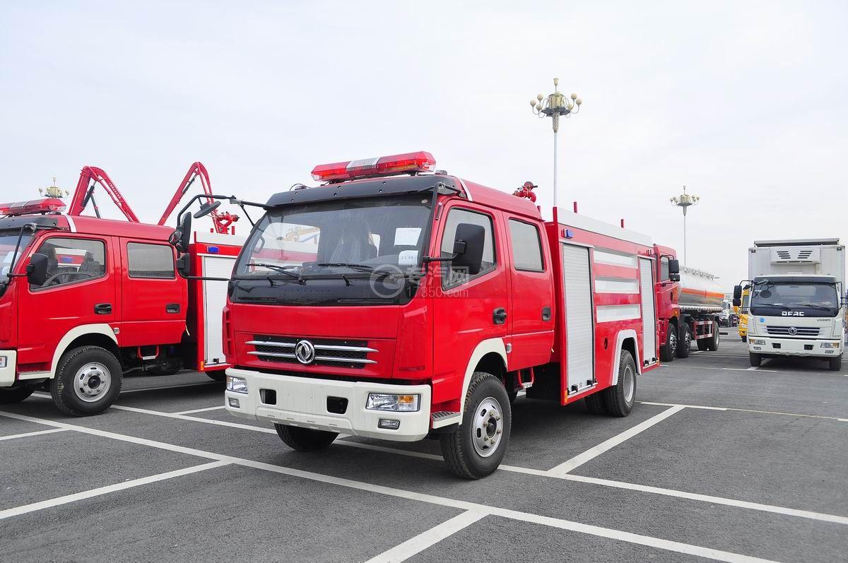 东风多利卡消防车左侧面45°图