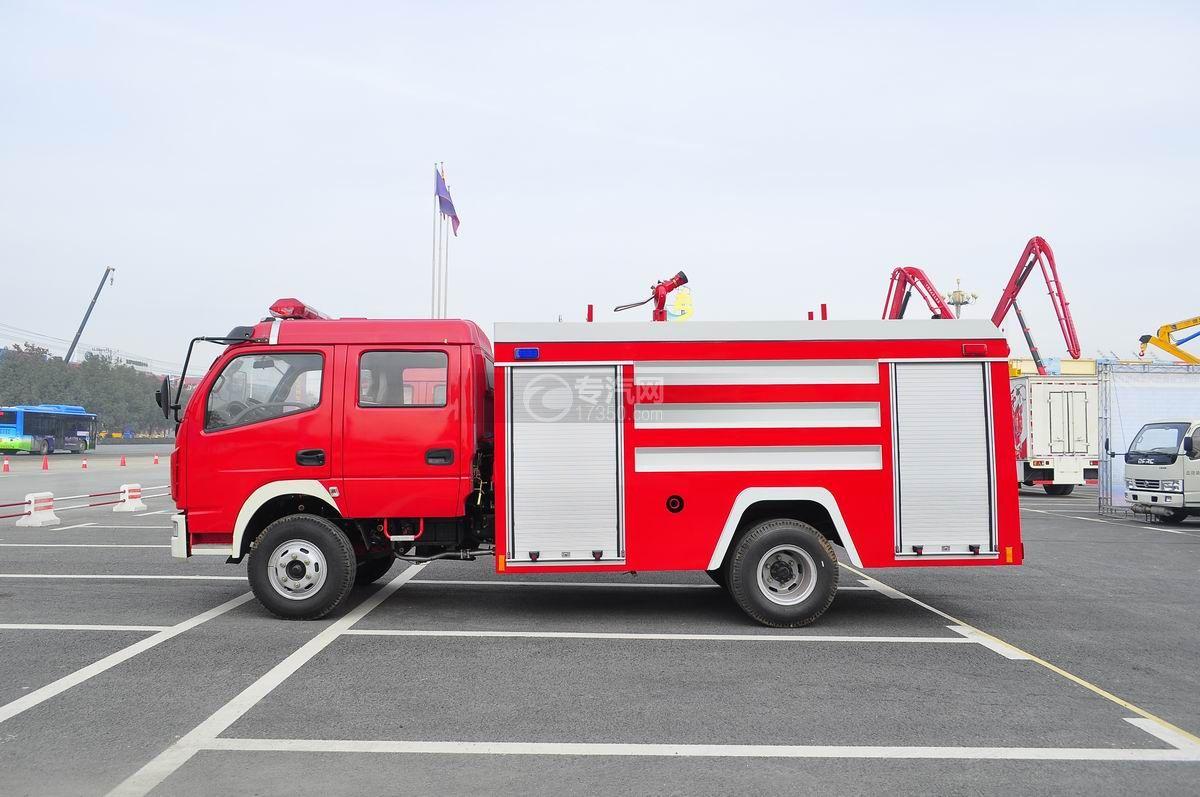 东风多利卡消防车左侧面图