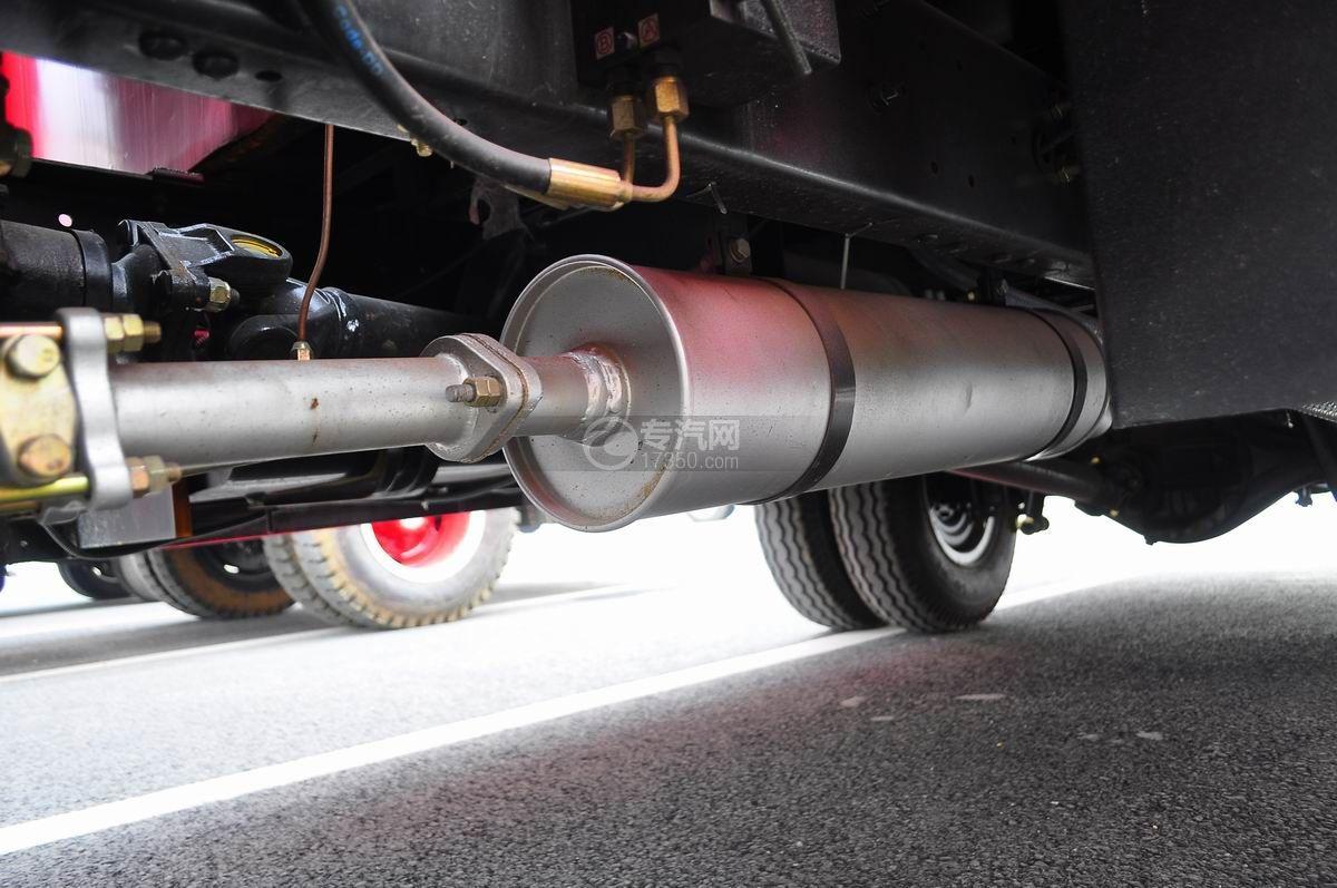 东风多利卡消防车尾气处理装置