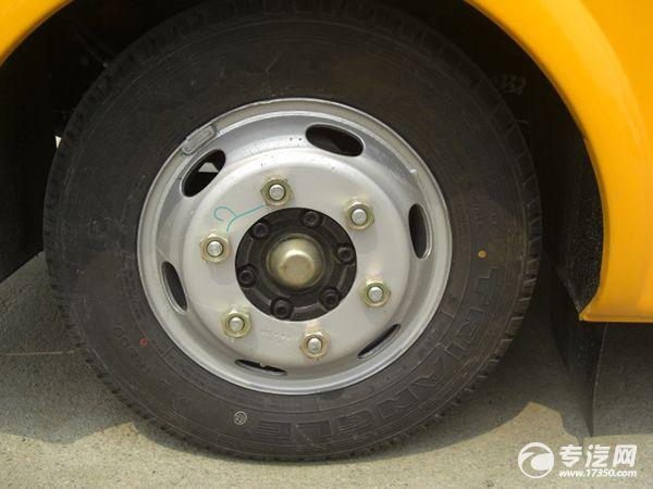 """注意校车轮胎保养 驾驶""""全程无忧"""""""