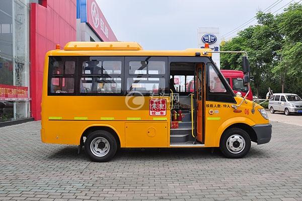 少林国五19座幼儿园校车方位图3