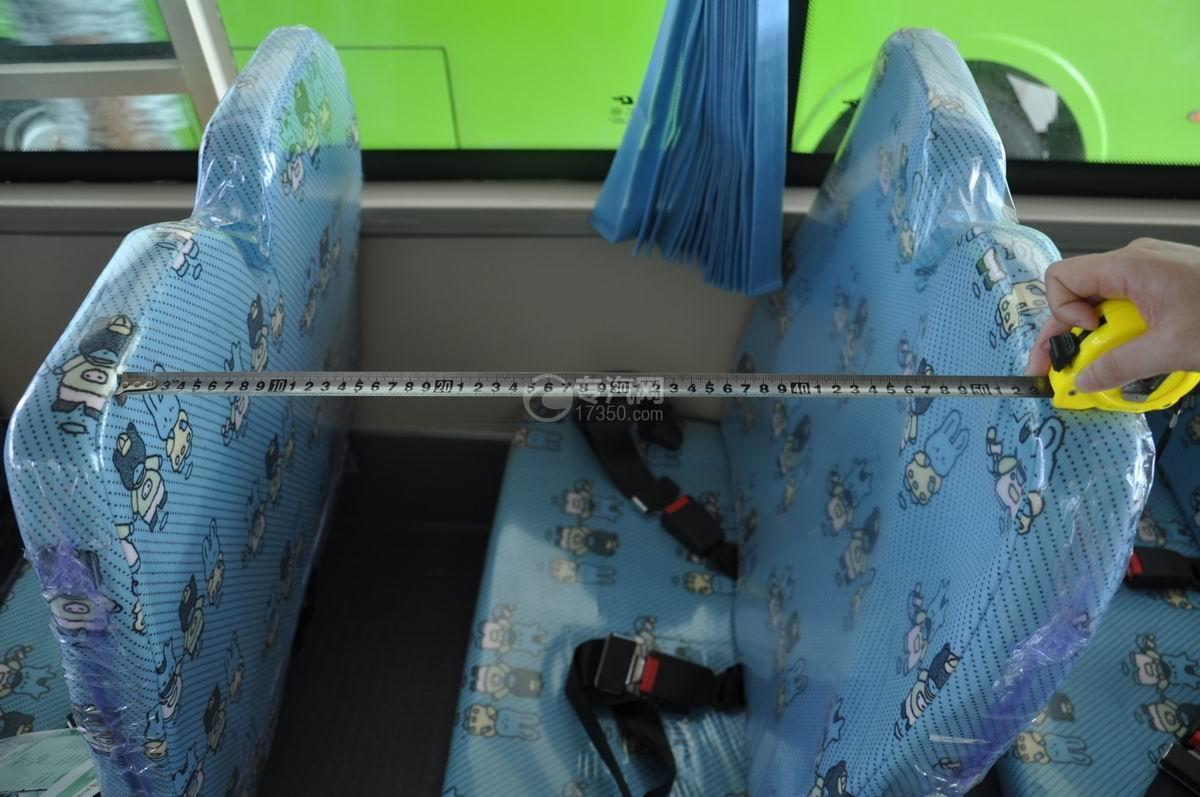 楚风19座幼儿园校车幼儿座椅空间