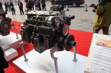 解放J6单桥底盘发动机