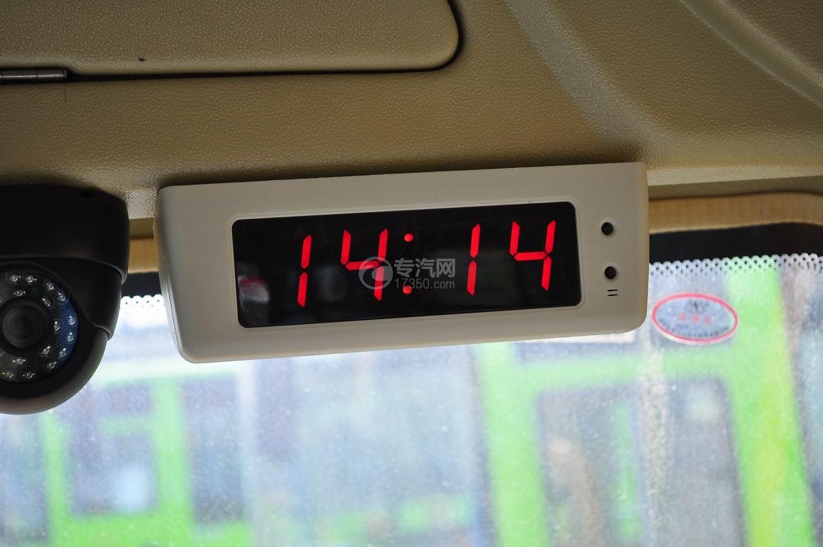 18座幼儿园校车乘坐空间时间显示屏