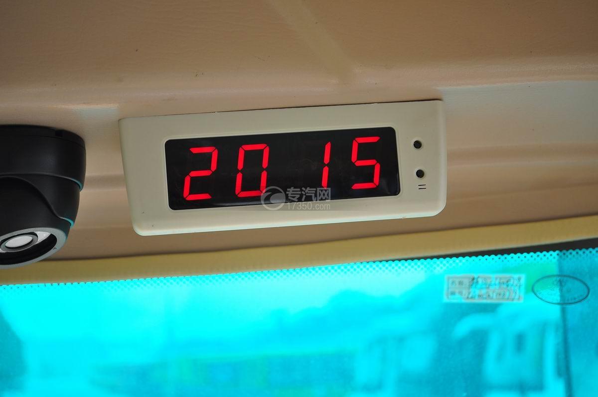 楚风34座幼儿园校车乘坐空间时间显示器