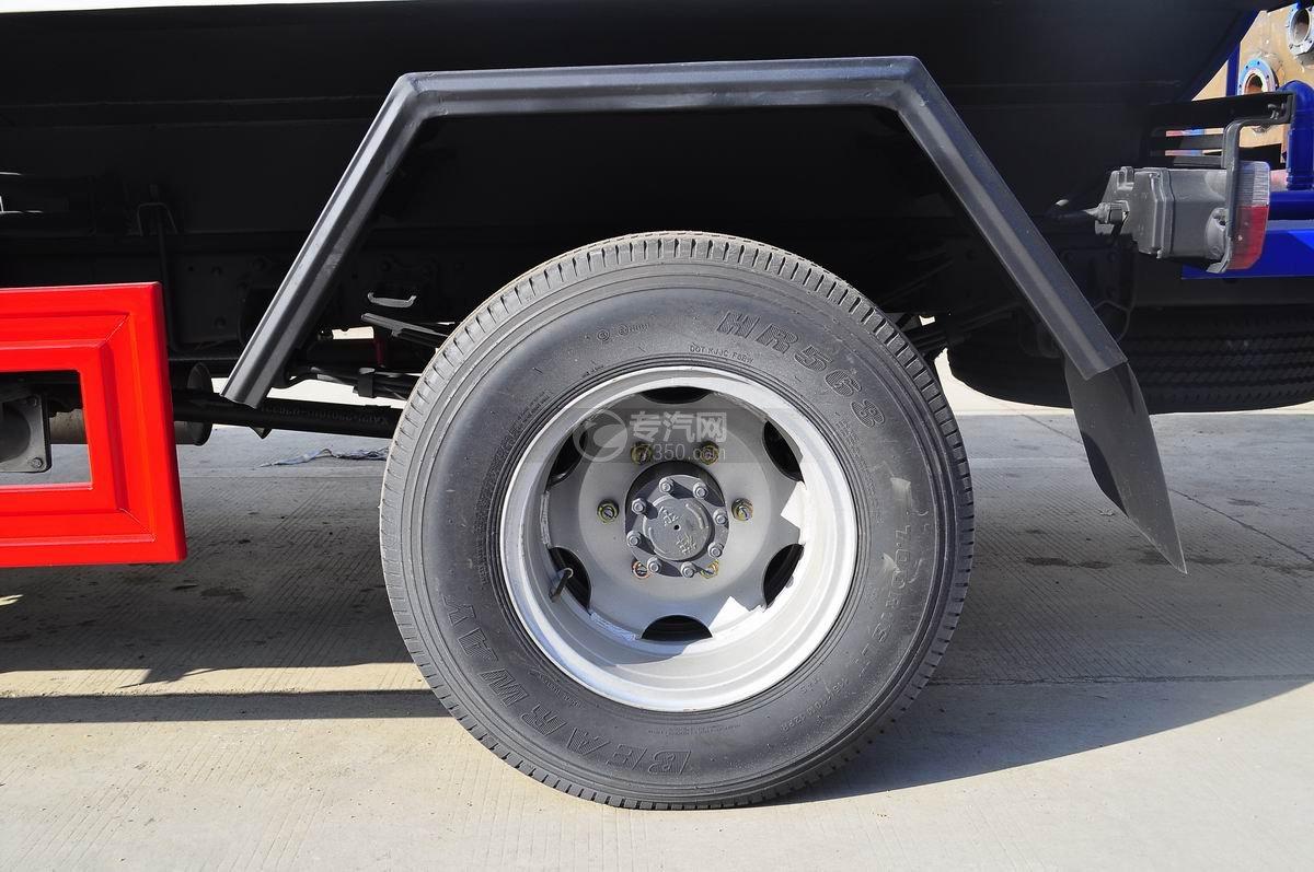 东风凯普特4.2方洒水车轮胎