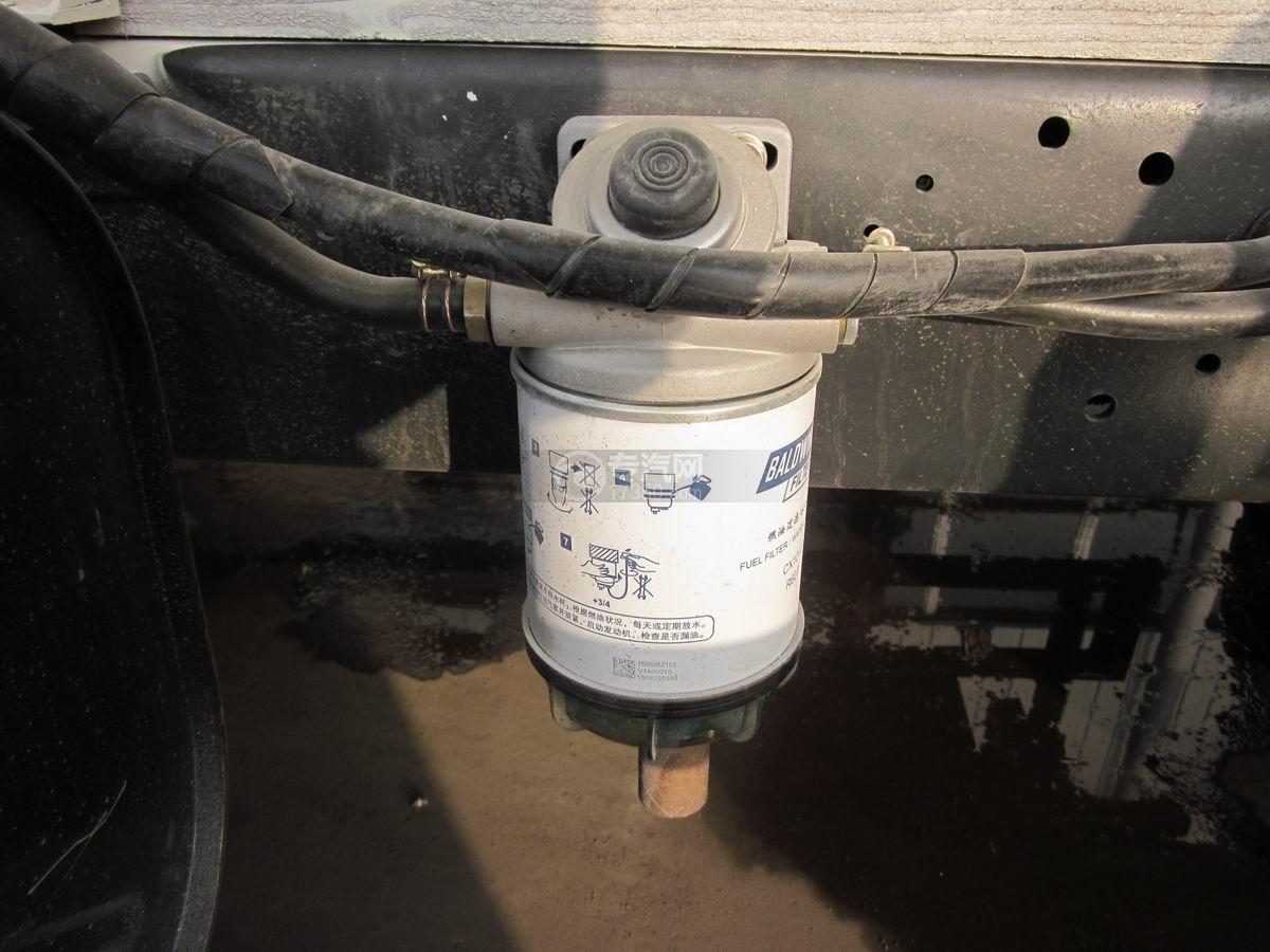 东风多利卡散装饲料运输车燃油过滤器