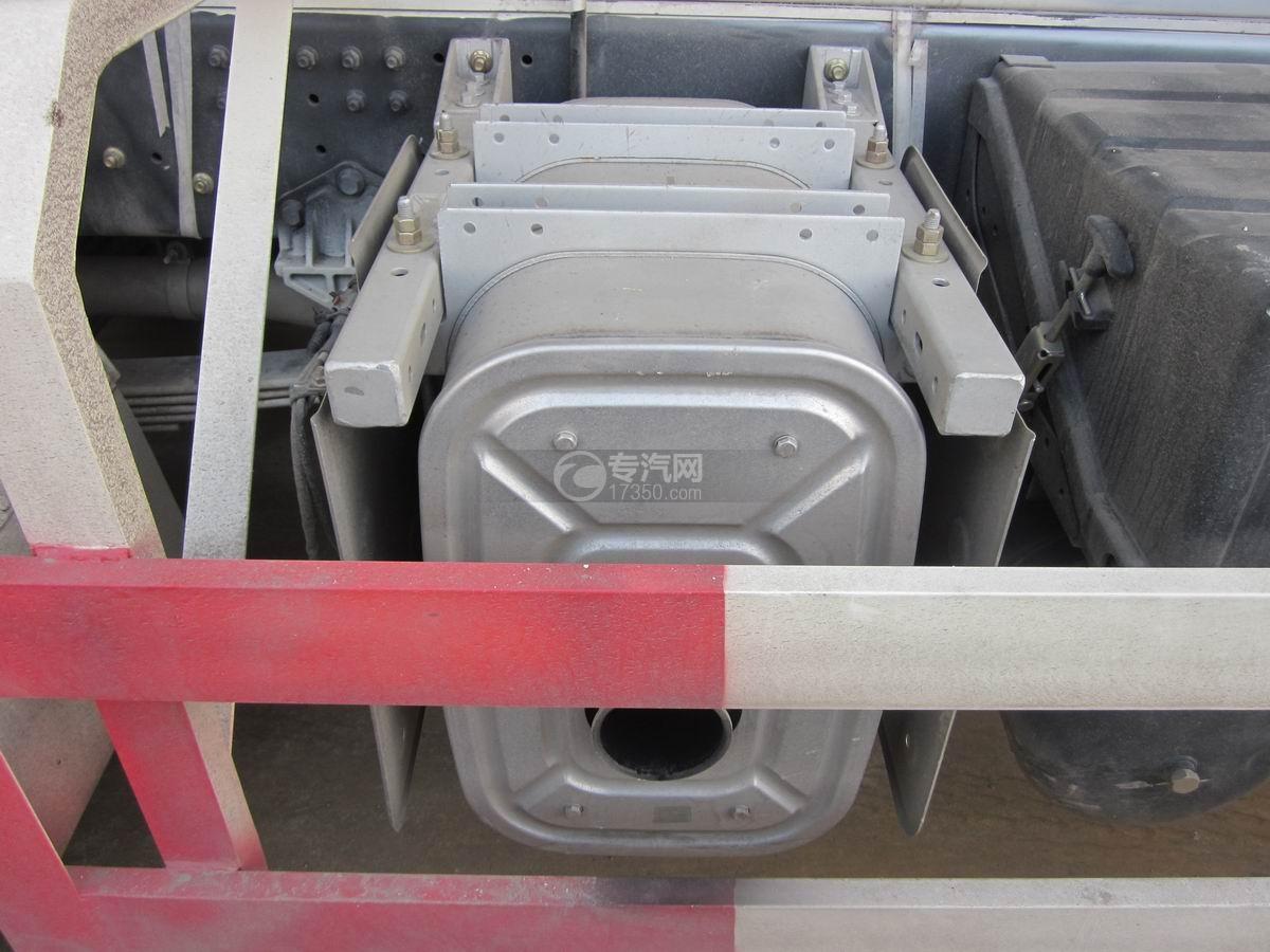 东风天龙散装饲料运输车排气管