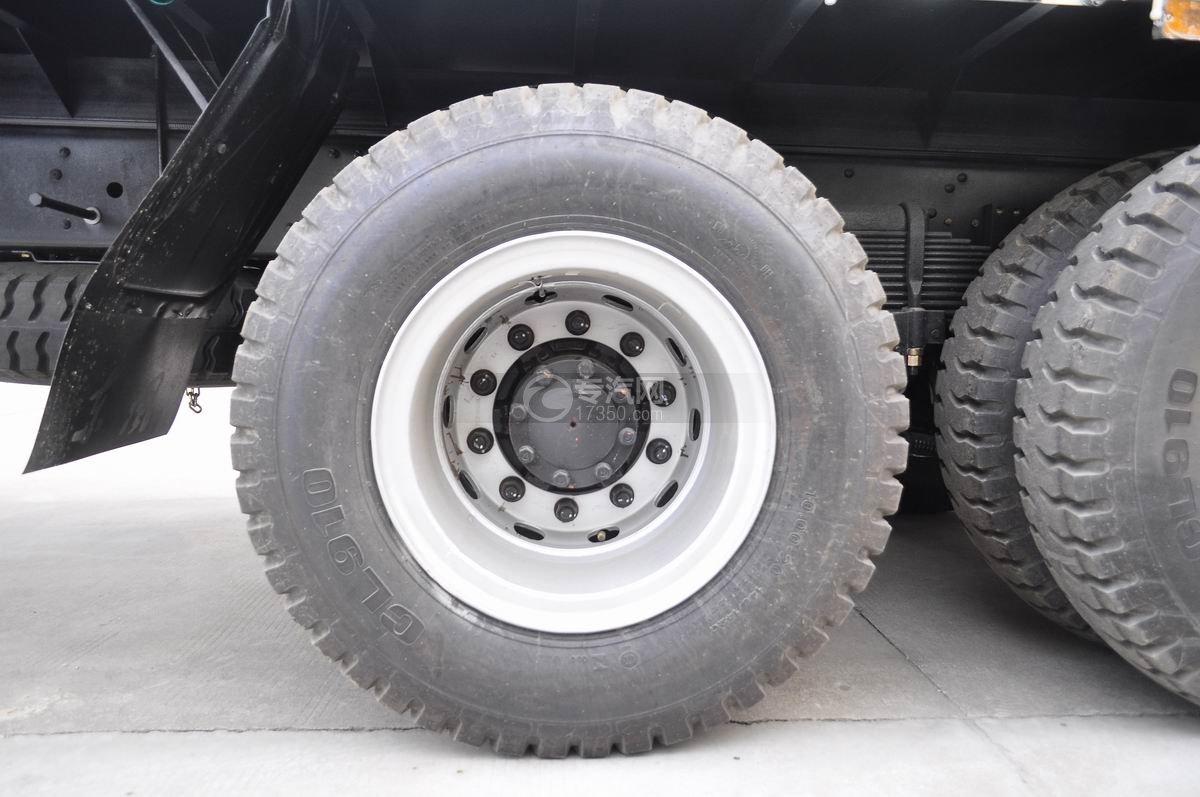 福田欧曼ETX后双桥10吨随车吊轮胎