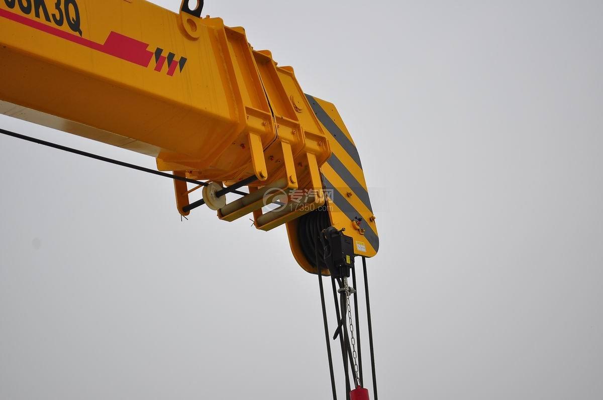 福田欧曼ETX后双桥10吨随车吊吊臂2
