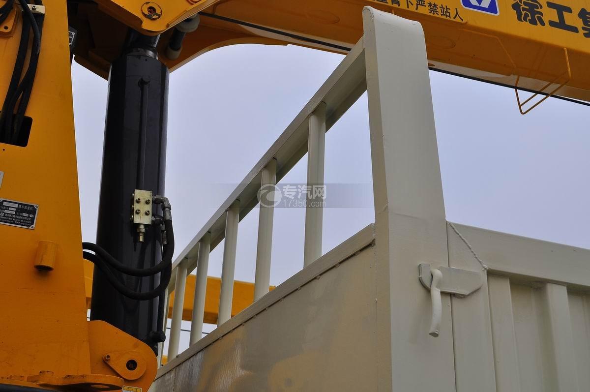 福田欧曼ETX后双桥10吨随车吊液压油缸3