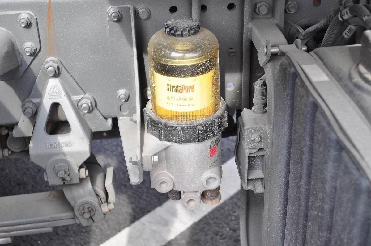 重汽豪沃单桥压缩式垃圾车机油滤清器