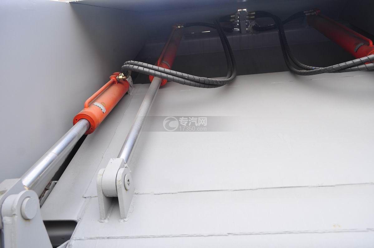 重汽豪沃单桥压缩式垃圾车双向液压系统