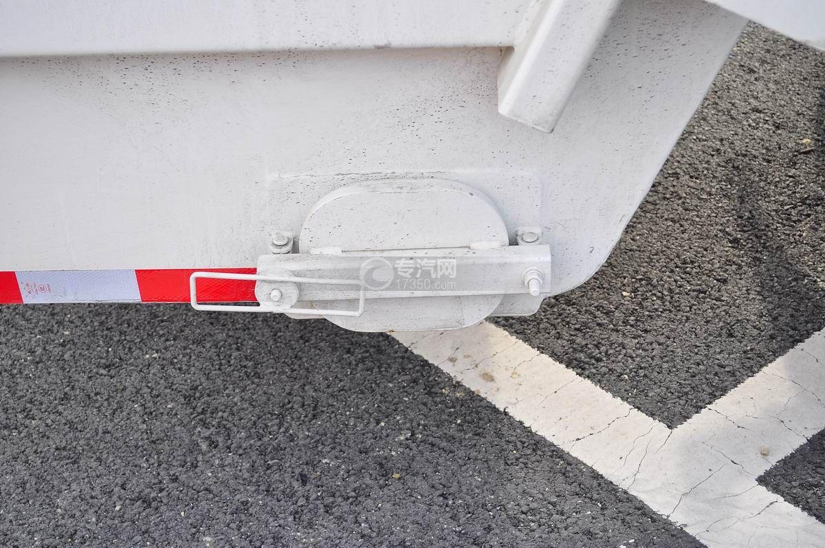 重汽豪沃单桥压缩式垃圾车活页装置