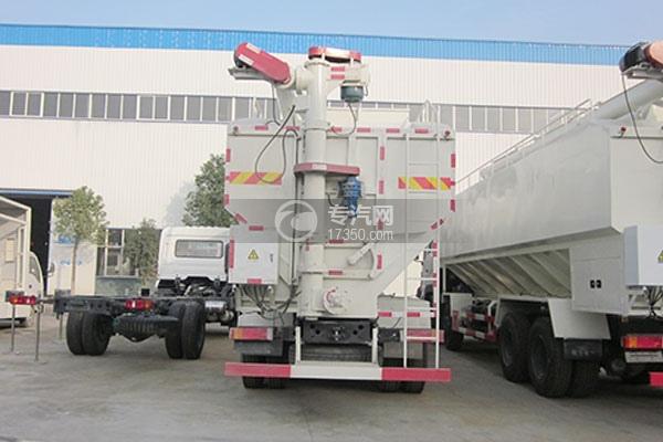 东风天龙20吨散装饲料运输车方位图4