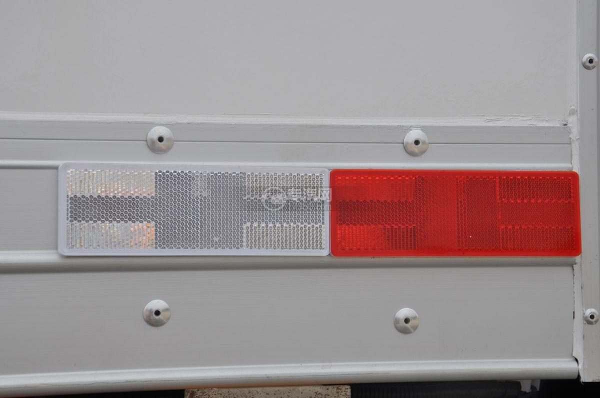 东风凯马微卡冷藏车反光标贴