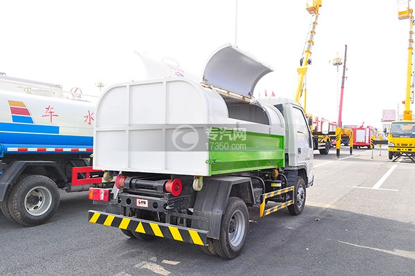 福田时代中驰L3车厢可卸式垃圾车方位图3