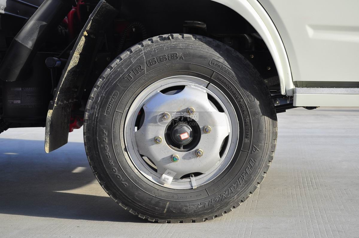 东风小多利卡冷藏车前轮胎