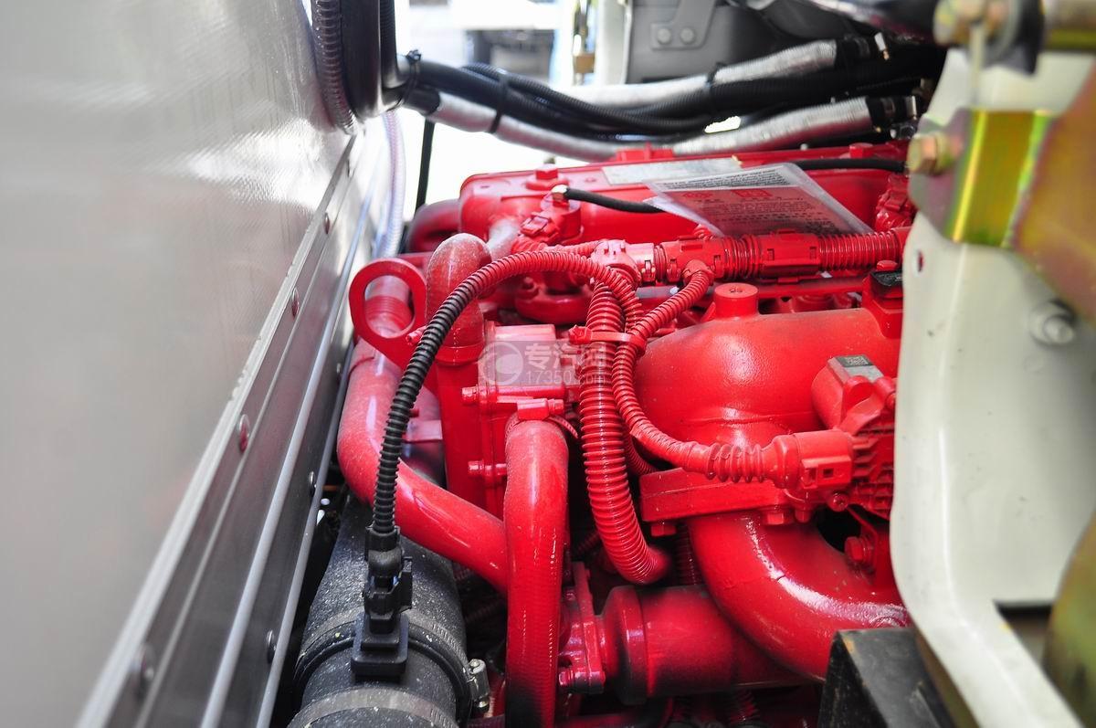 东风小多利卡冷藏车发动机