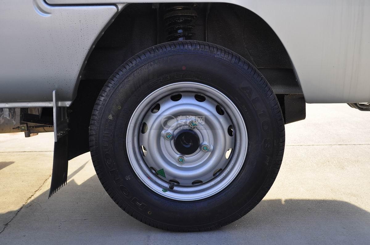 ?福田馭菱冷藏車前輪胎