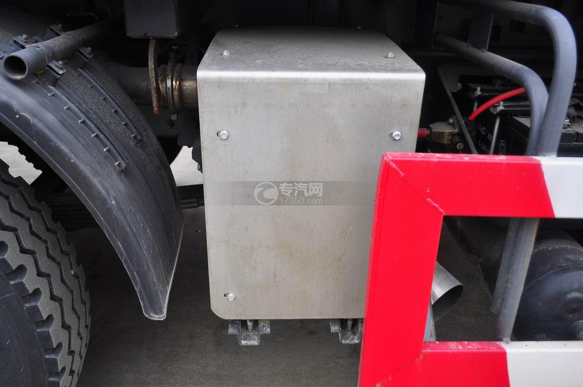 江淮格尔发前四后八对接式垃圾车尾气处理装置