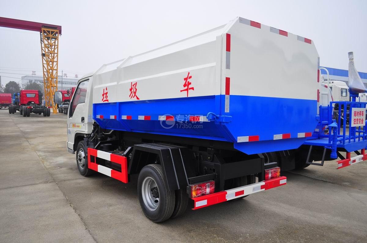 福田时代祥龙2挂桶式垃圾车左后45°图