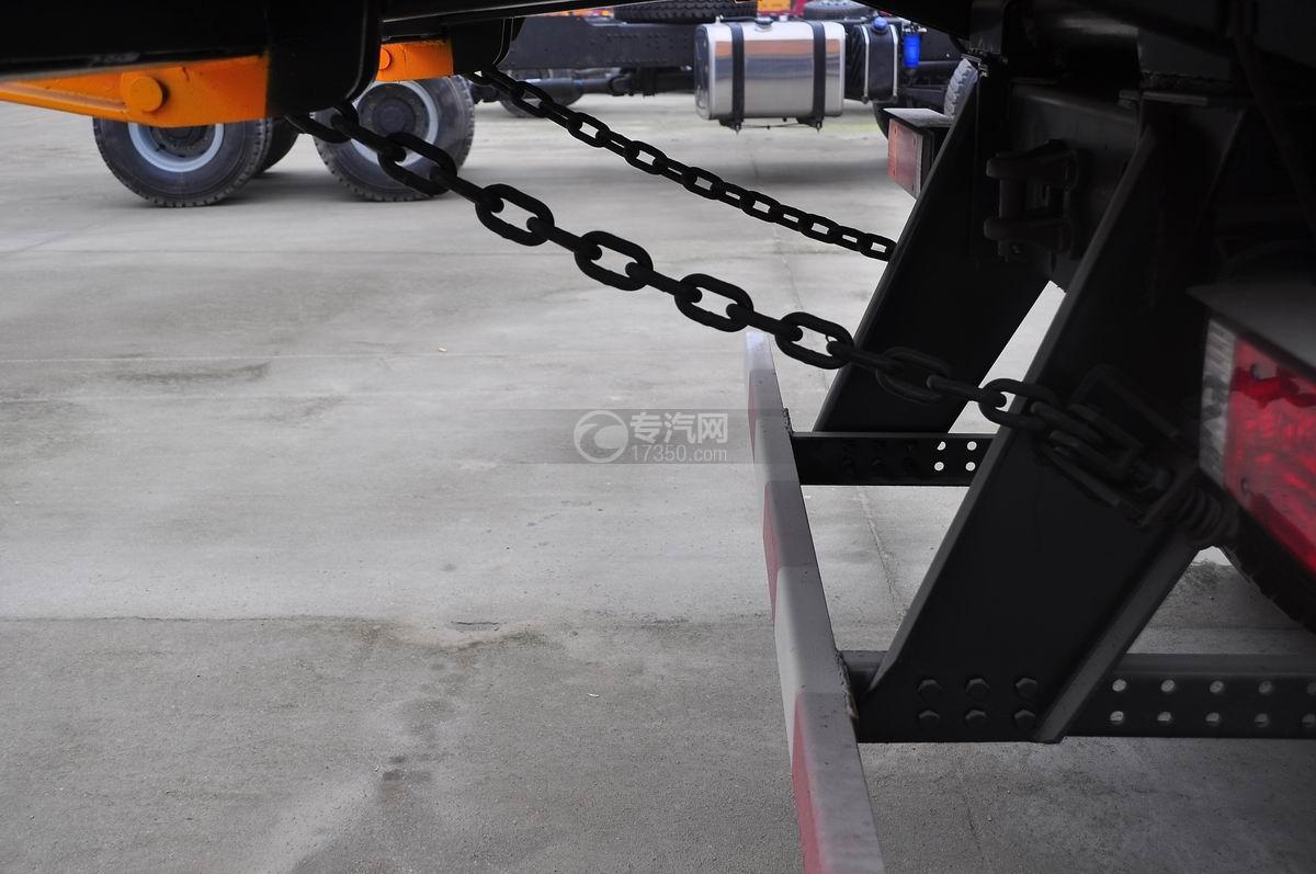 陕汽德龙F3000后双桥336马力自卸车锁链