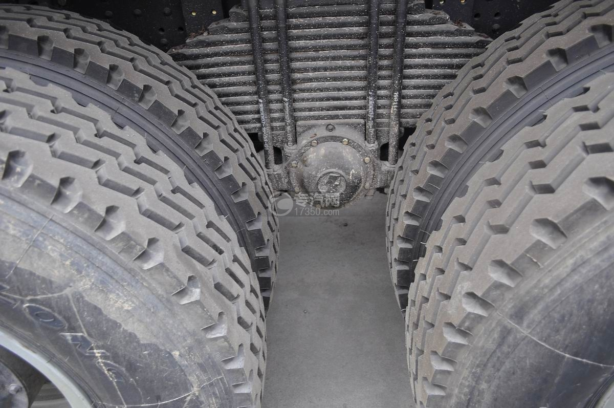陕汽德龙F3000后双桥336马力自卸车U型螺栓