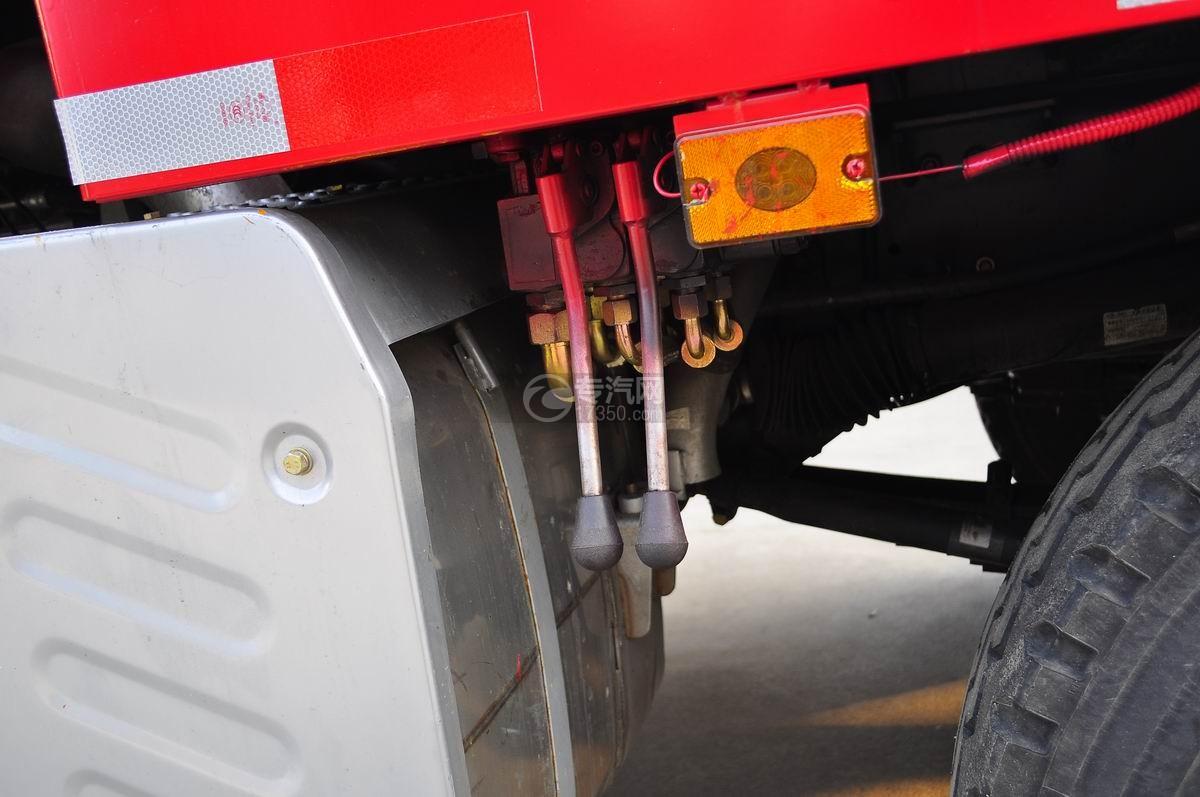 解放J6P前四后八平板运输车平板操作杆
