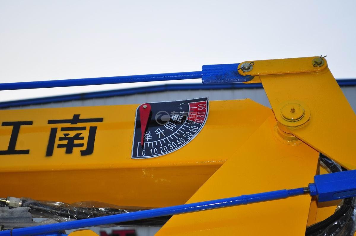 庆铃五十铃100P16米高空作业车举升仰角