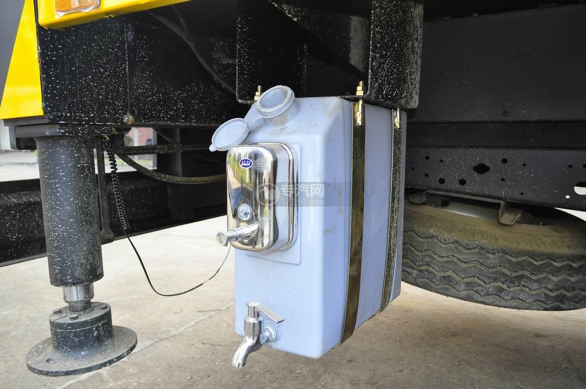庆铃五十铃100P16米高空作业车洗手装置