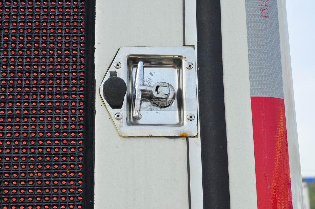 解放LED广告车LED屏门开关