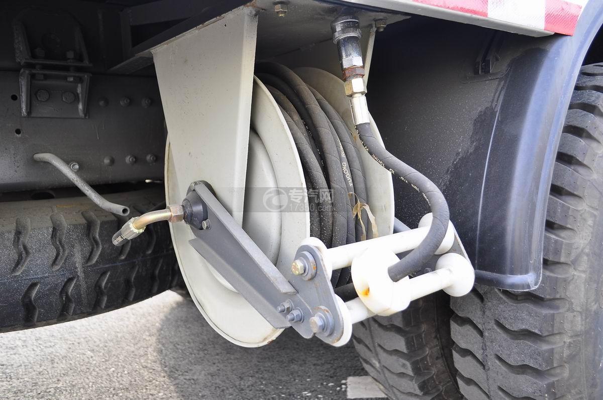 重汽豪沃T5G 210 单桥洗扫车高压冲洗卷盘