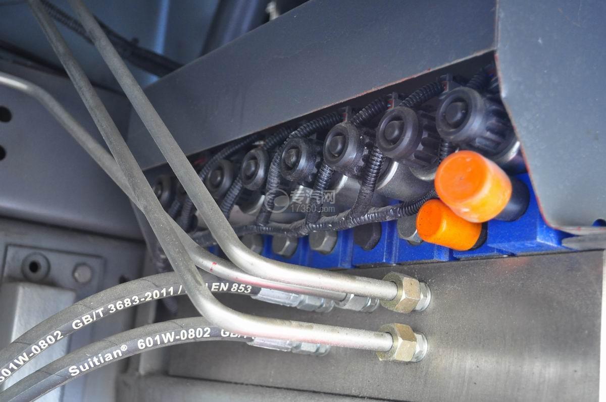 重汽豪沃T5G 210 单桥洗扫车气动系统