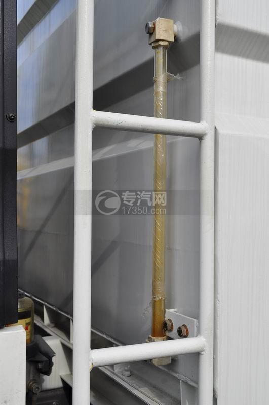 重汽豪沃T5G 210 单桥洗扫车视污管