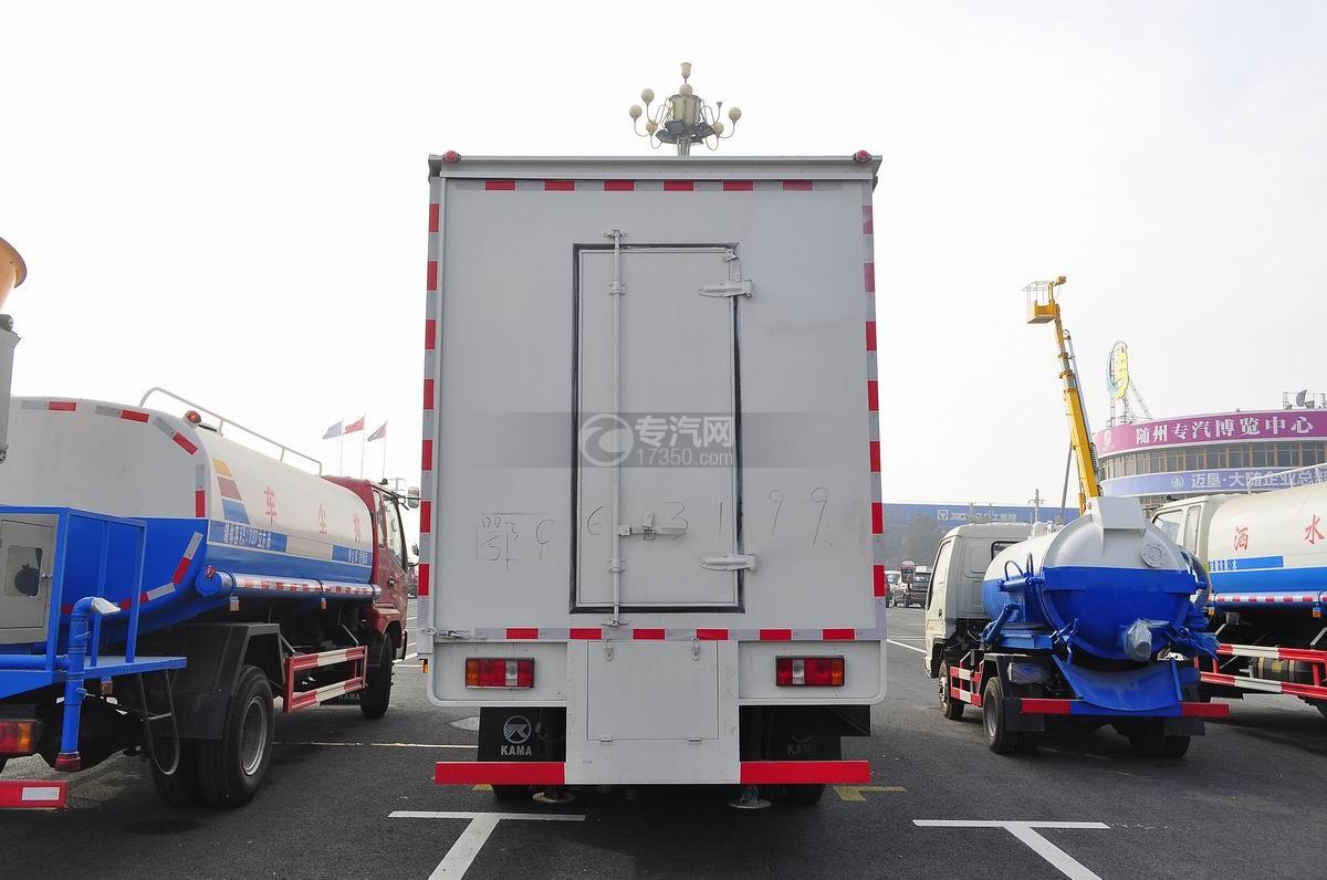凯马骏驰4200单桥5.4米舞台车后面图