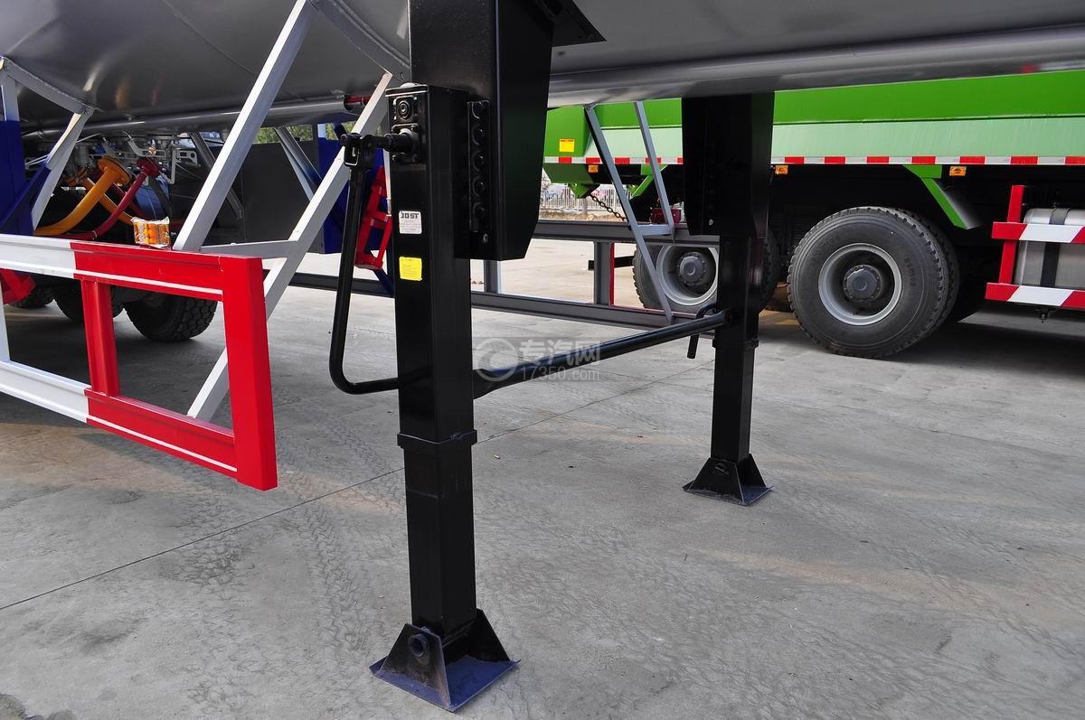 59.73方液化石油气体(丙烷)运输半挂车支腿