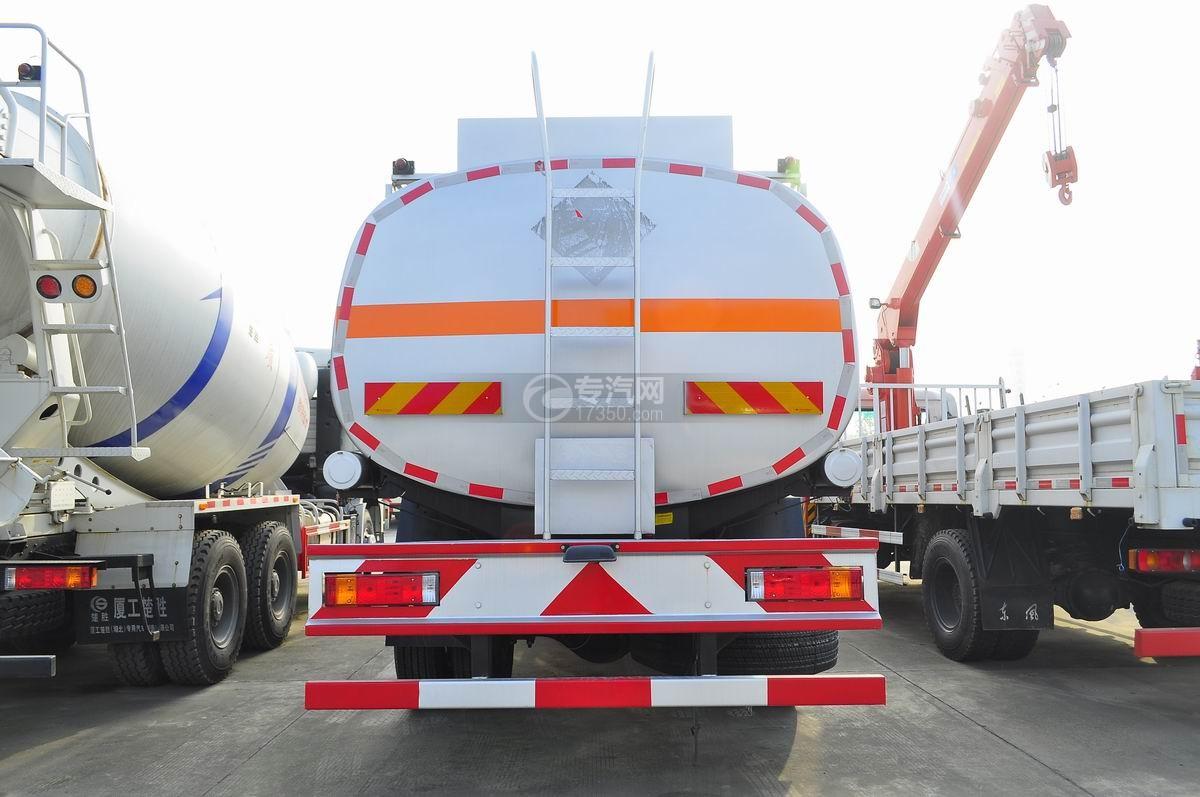 陕汽德龙小三轴21方洗井液运输车后面图