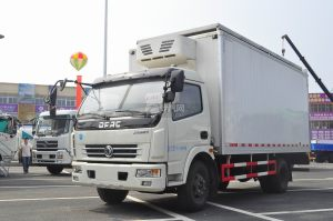 東風多利卡太陽能冷藏車圖片