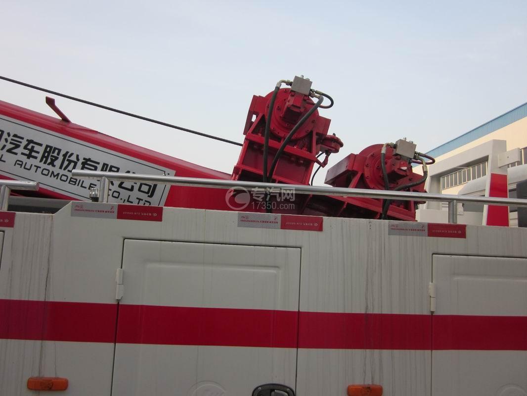北奔重卡V3前四后八拖吊连体清障车拖吊装置2