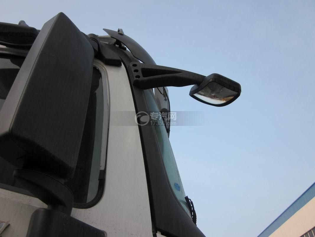北奔重卡V3前四后八拖吊连体清障车外视镜2