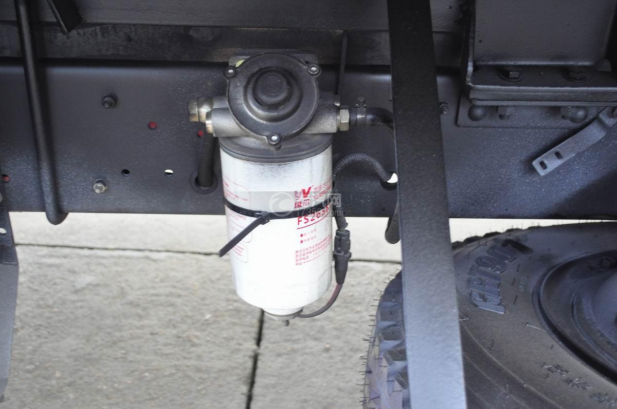 东风凯普特压缩式垃圾车燃油水气分离器