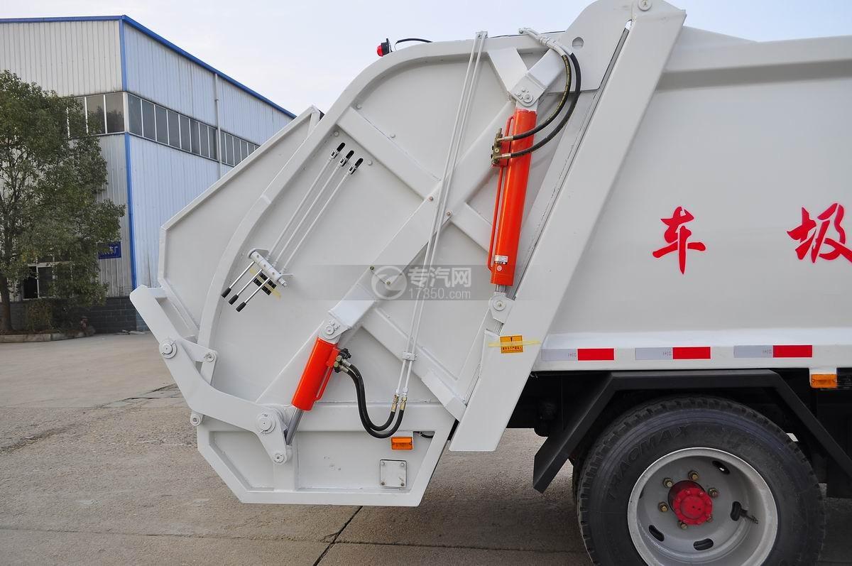 东风凯普特压缩式垃圾车压缩系统