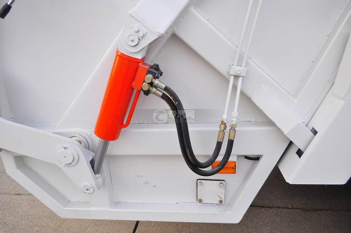东风凯普特压缩式垃圾车液压胶管与举升油缸
